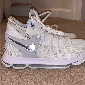 ALL WHITE NIKE KD 10 BASKETBALL Shoes